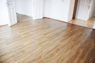 Podlaha v pokoji
